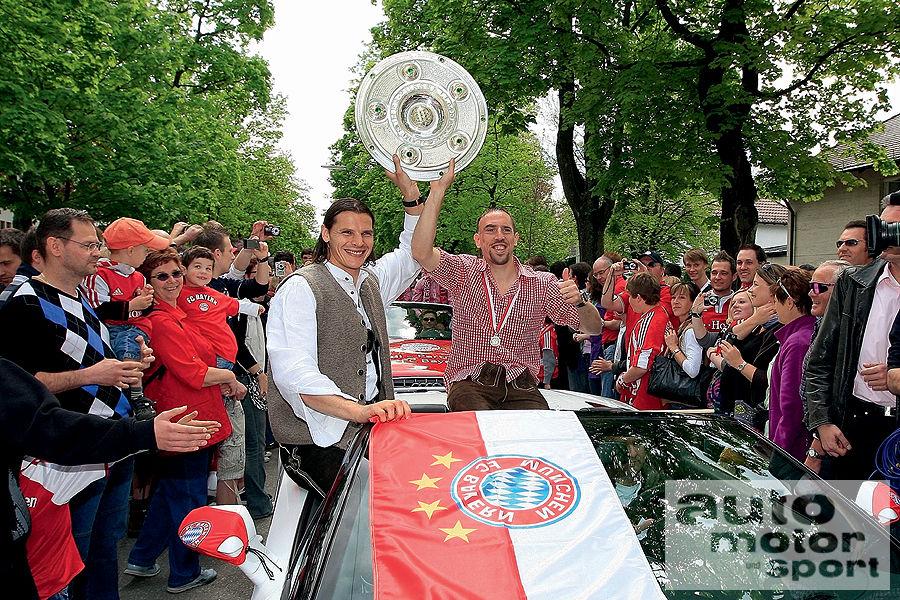 FC-Bayern-Muenchen-Autokorso-Lamborghini-Gallardo-Spyder